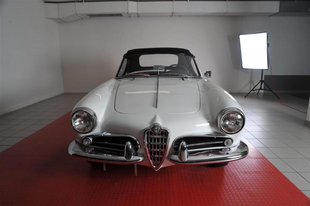 Fichier on 1960 Alfa Romeo Spider